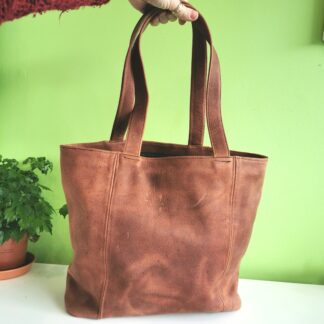 Tote - Medium - a One-Off Design by Henry Tomkins Leather holding
